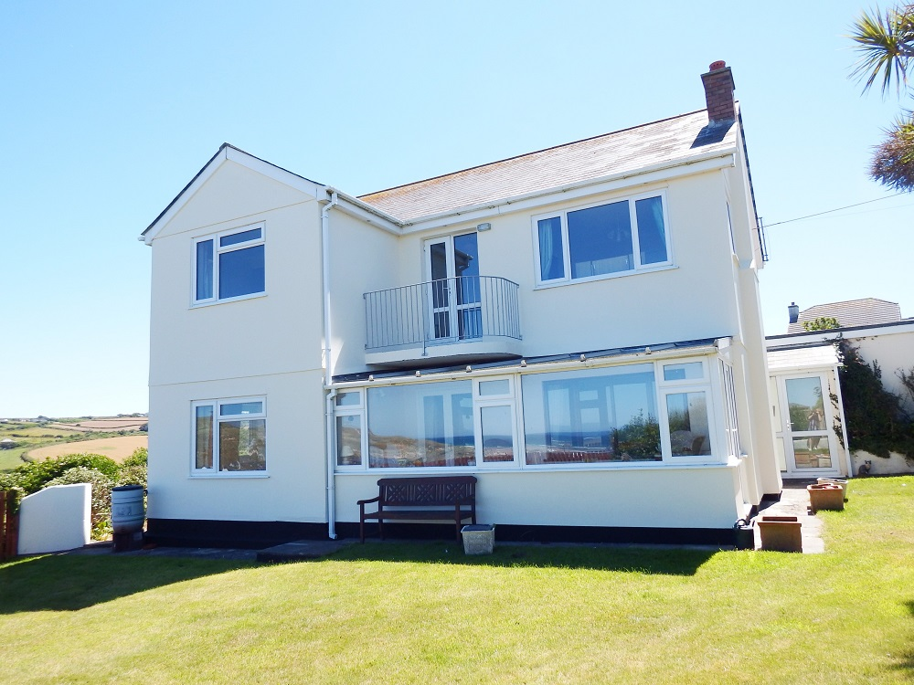 special offer late deals 5 star holidays in Cornwall